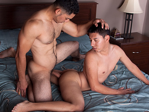 Miguel Temon gay hardcore sex video from Hot Barebacking